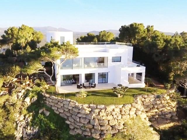 Villa excepcional con vistas impresionantes al mar
