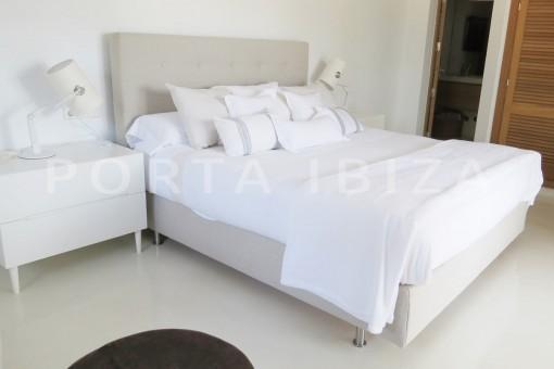 bedroom3-luxury property-fantastic sea views-sunset views-cala tarida