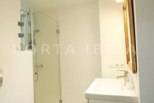 bathroom-wonderful apartment- Botafoch-Ibiza