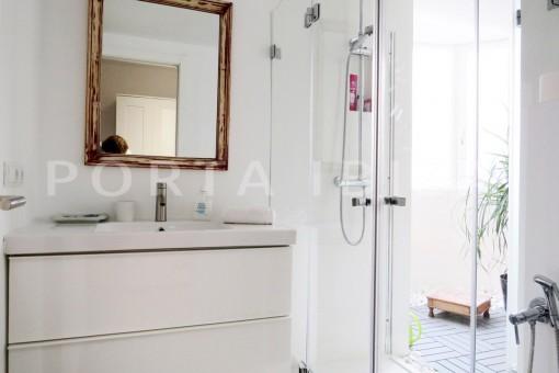 bathroom2-wonderful apartment- Botafoch-Ibiza