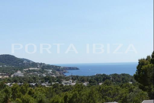Hermosa villa con vistas al mar y mucho potencial