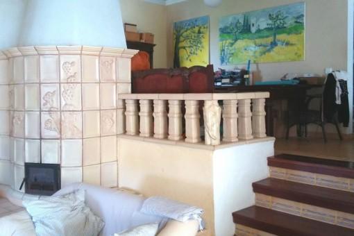 Segundo salón con chimenea