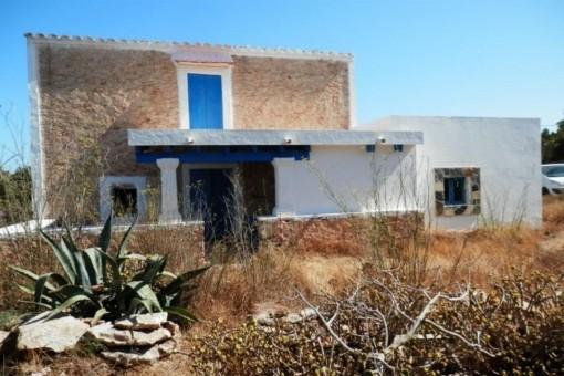 Encantadora antigua casa rural para reformar en Formentera