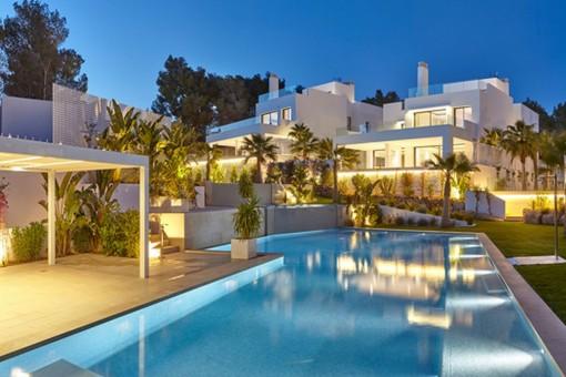 Hermosa villa con 5 dormitorios a metros de la playa de Cala Llenya